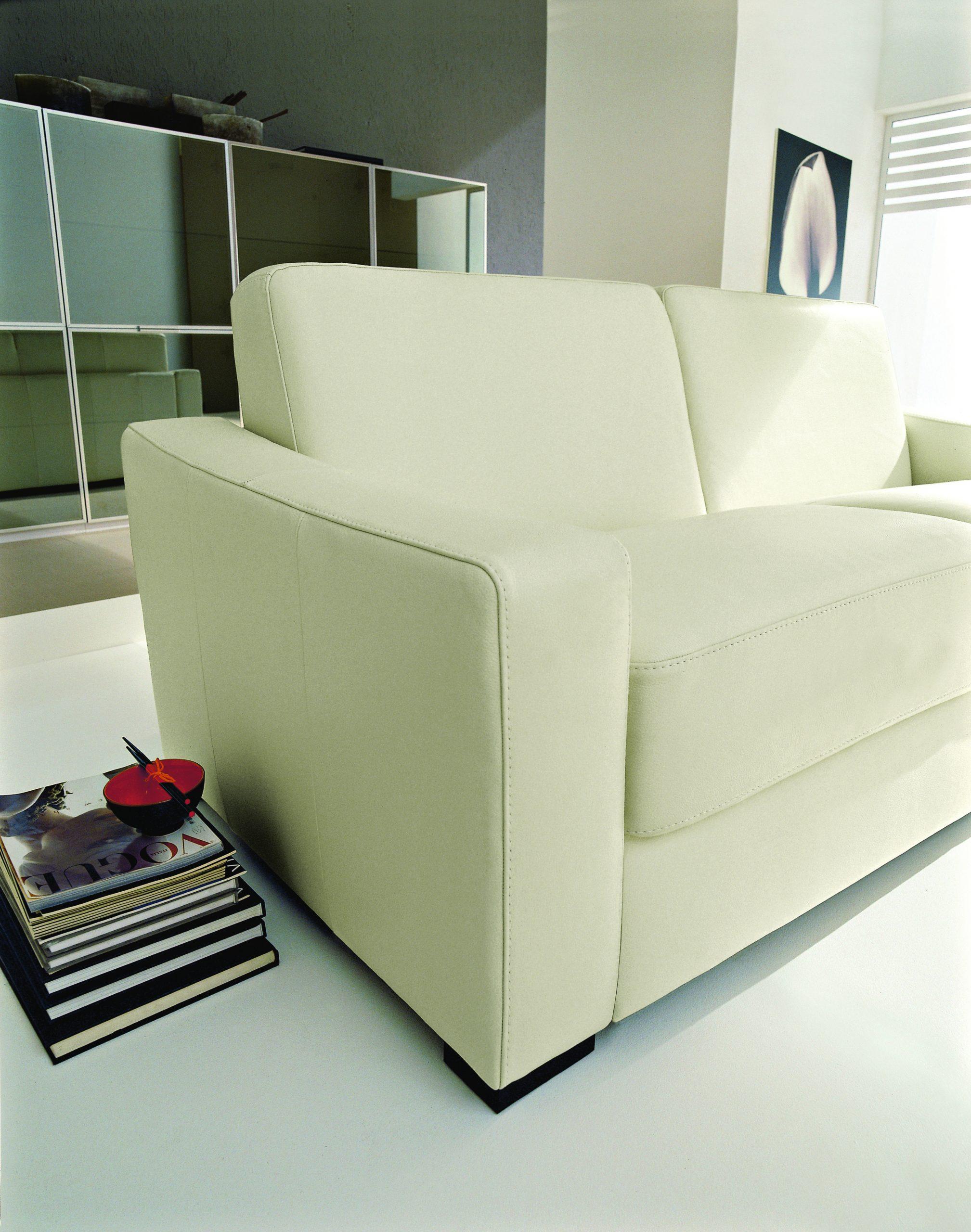 nicoline Lecco sofa1